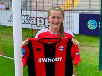 Molly Peters signs for Lewes