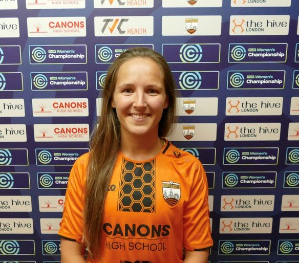 London Bees' new signing Hayley West