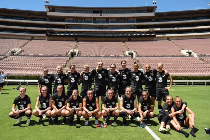 Republic of Ireland Women's Football Squad at the Rose Bowl