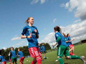Duham's two-goal Iris Achterof