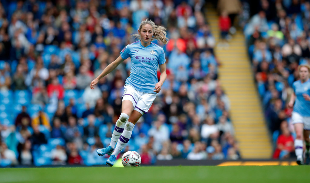Man City's Janine Beckie signs new contract