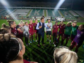 England heading for Czech Republic