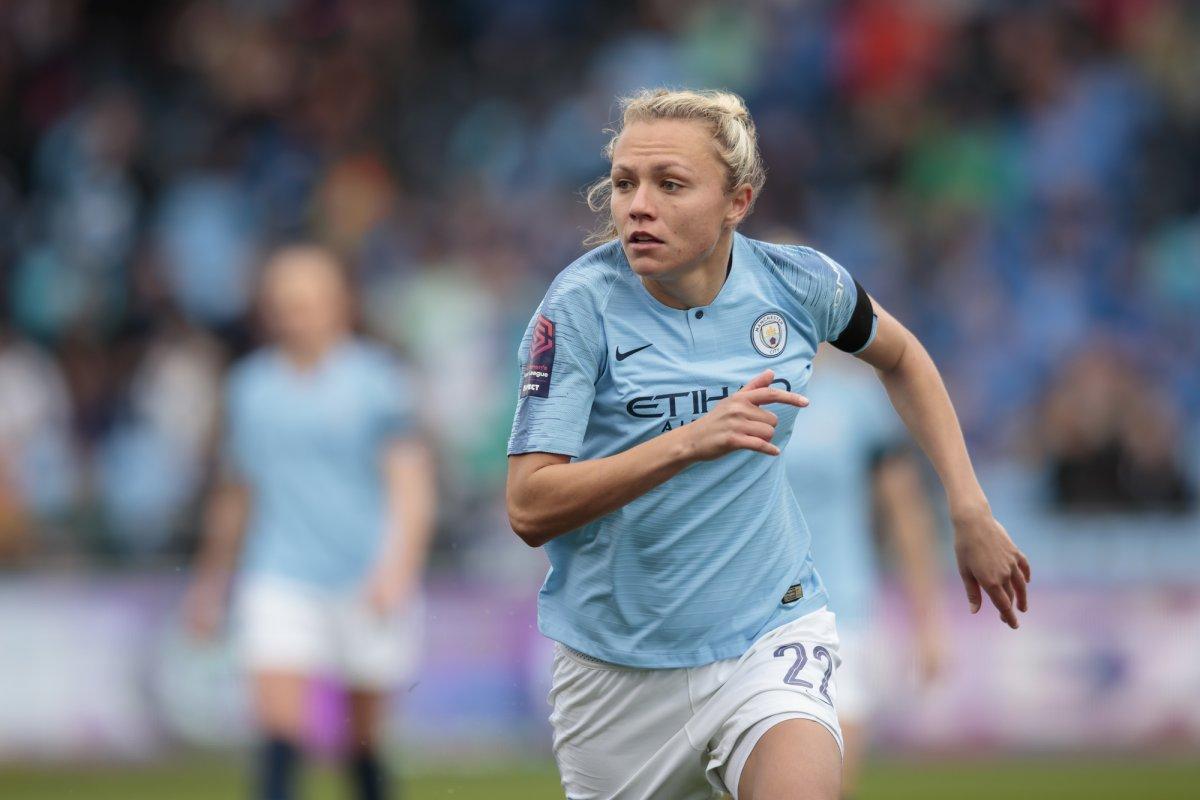 Claire Emslie signs for Melbourne City