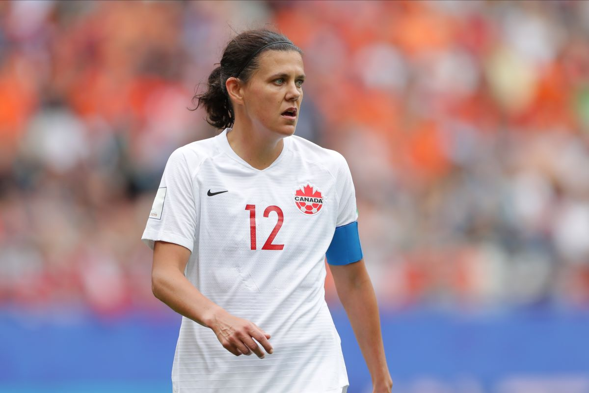 Christine Sinclair breaks international goalscoring record