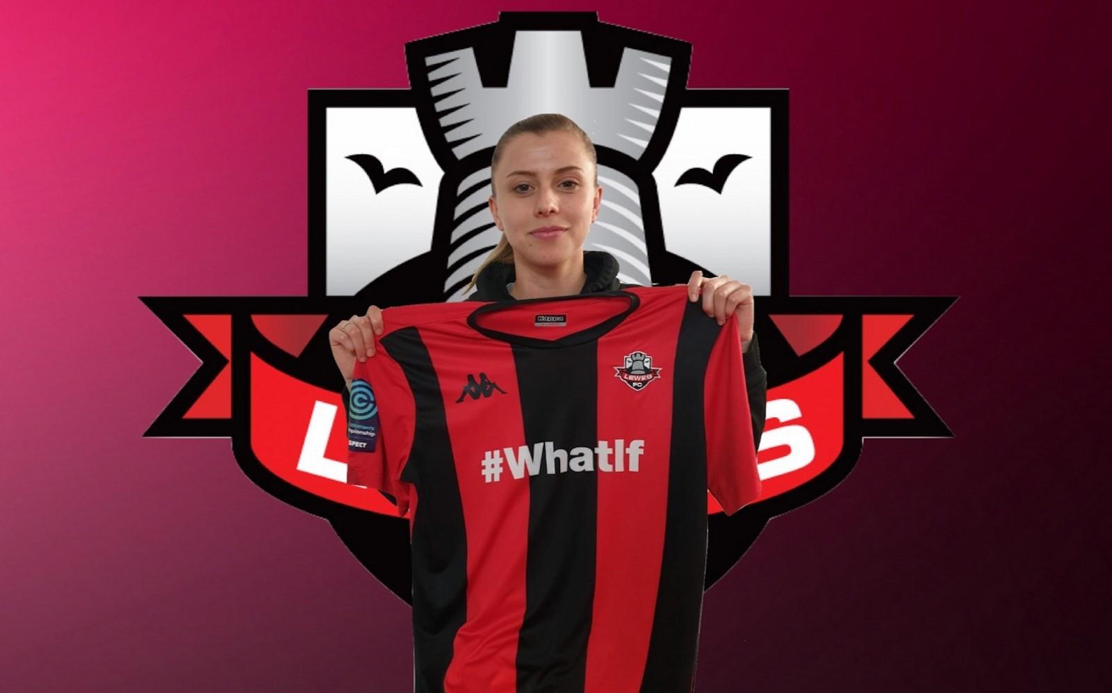 Ellie Leek signs for Lewes