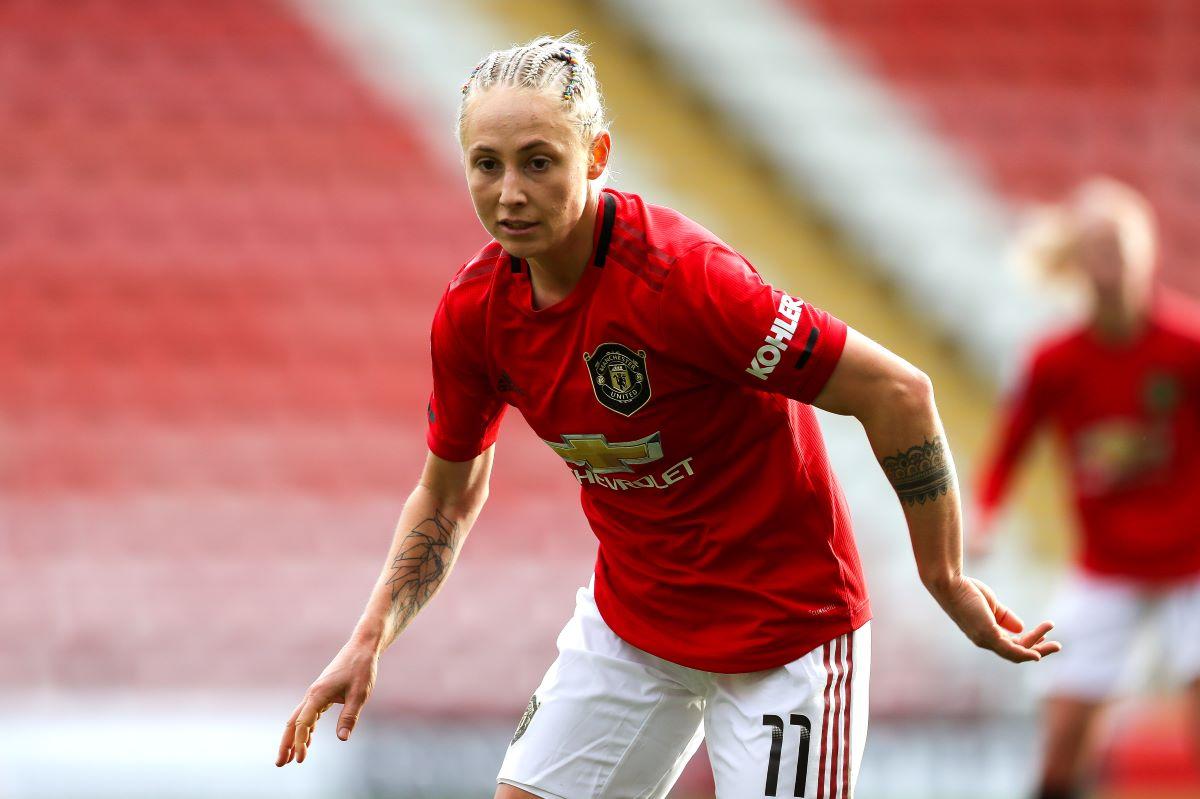 Leah galton signs new deal at Man Utd