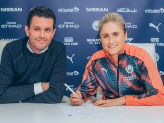 Steph Houghton signs new deal