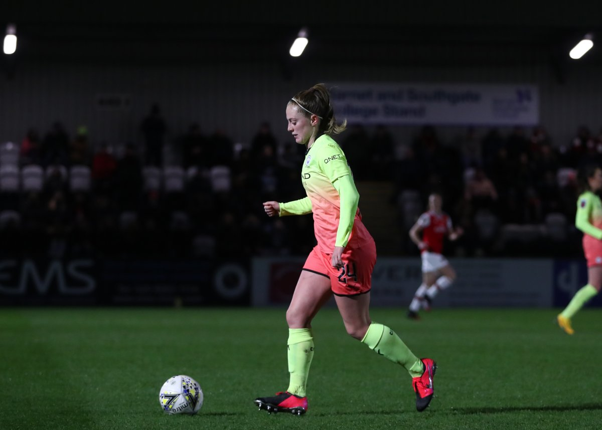 Keira Walsh signs new Man City contract