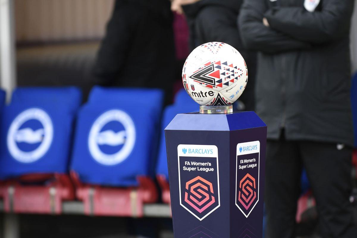 BarclaysFA WSL branding and match ball