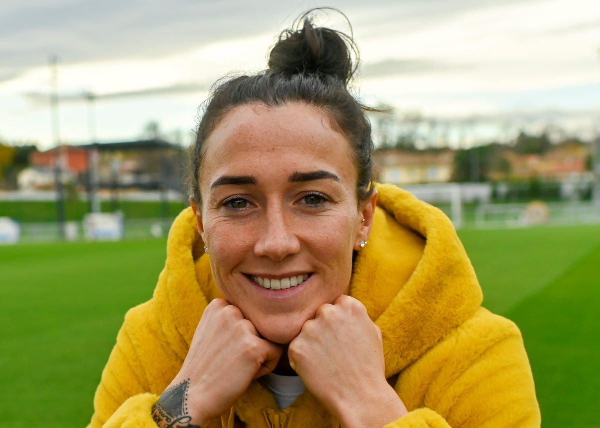 Man City re-sign Lucy Bronze