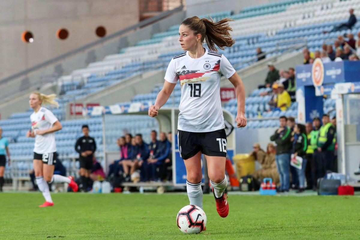 Melanie Leupolz agrees deal with Chelsea