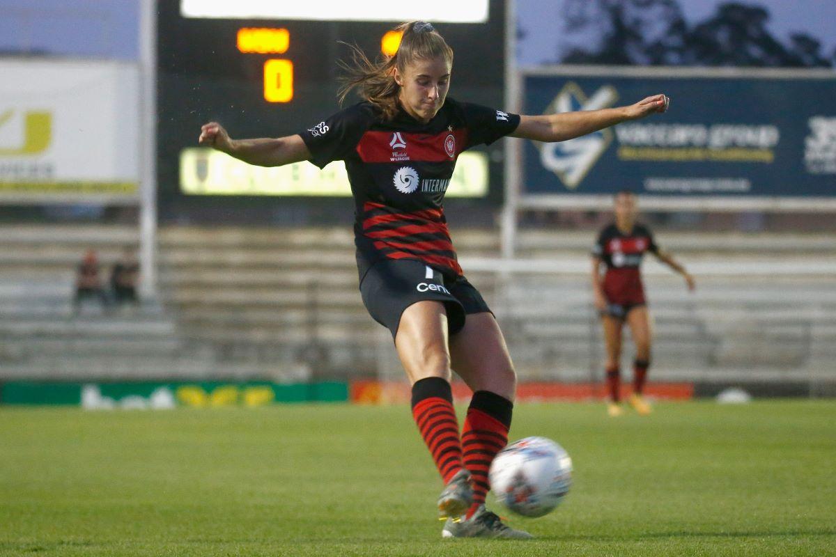 New PSV signing, Amy Harrison