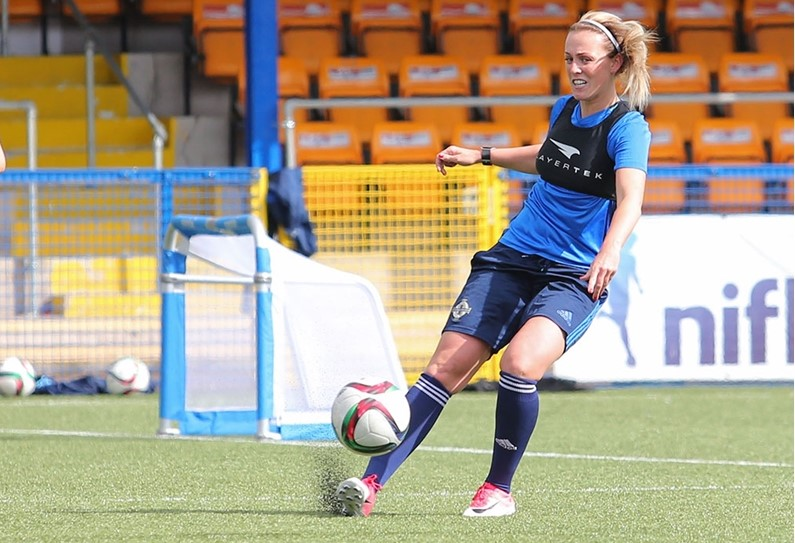 Revcent Forfar signing, Jade Linday