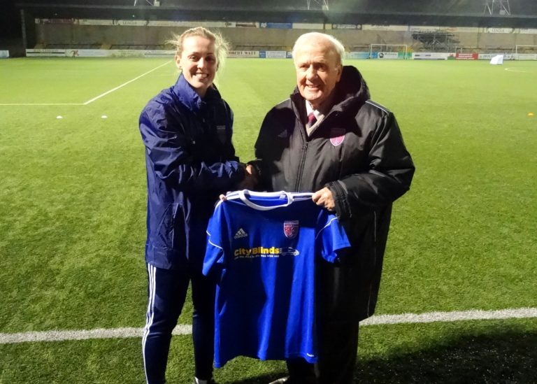 Jade Lindsay signs for Forfar