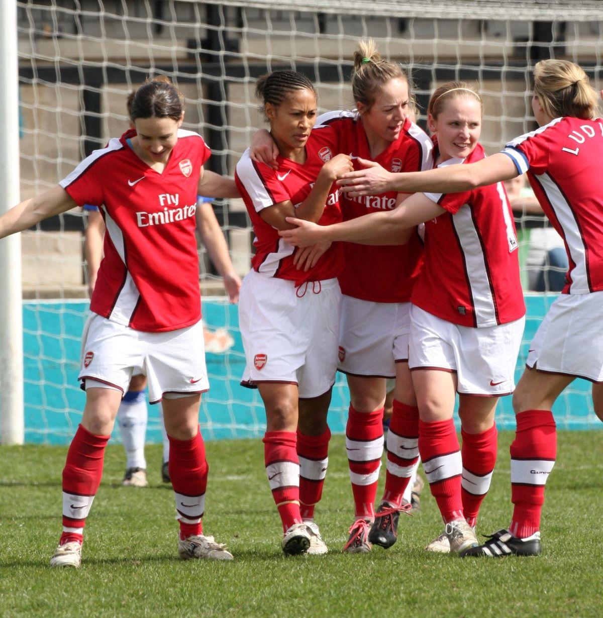 Rachel Yankey scored for Arsenal against Everton in the FAWPL