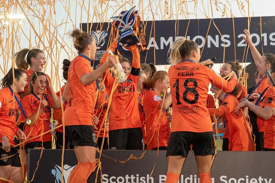 Glasgow City lift the 2019 SWPL trophy
