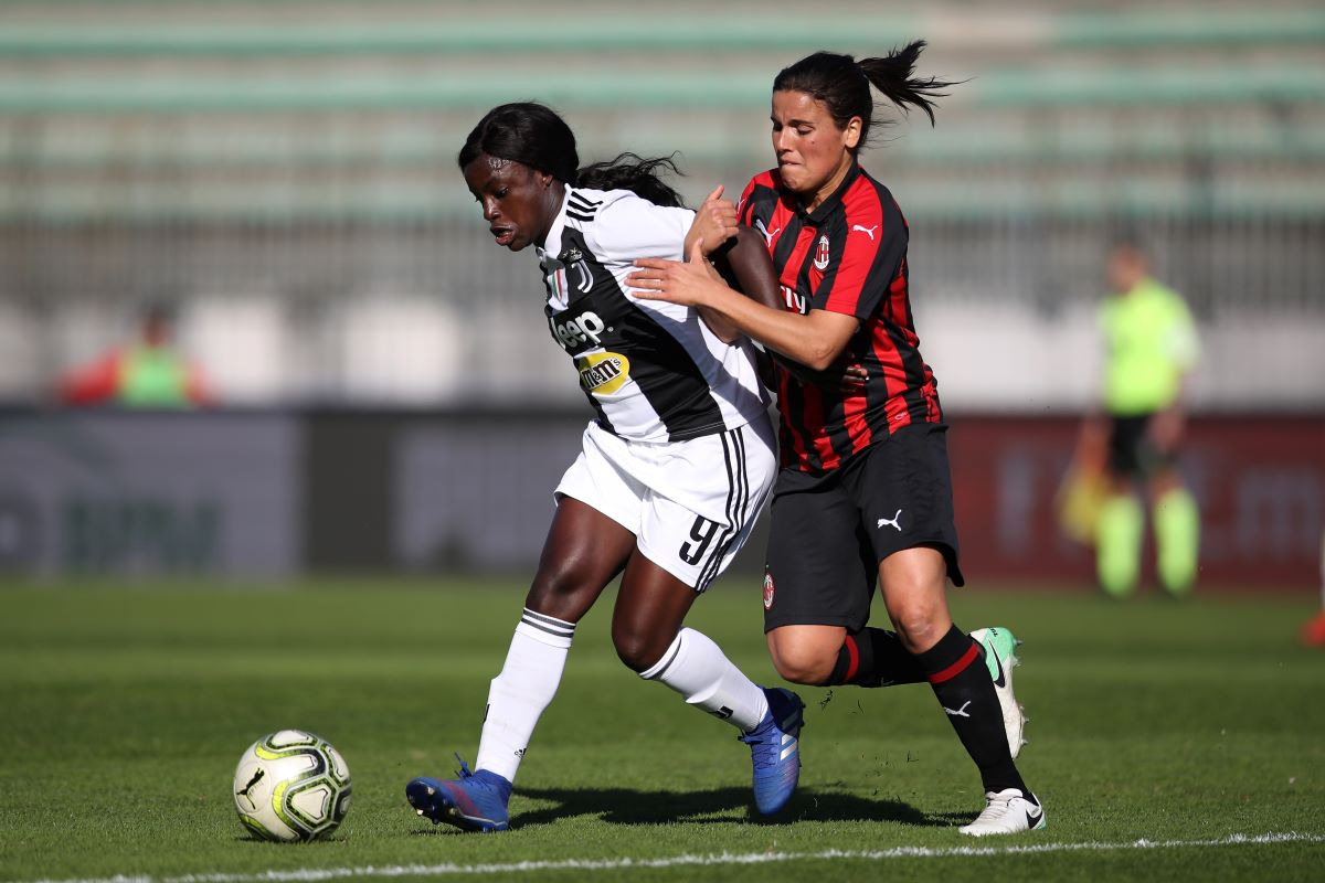 Monica Mendes pressures Eniola Aluko