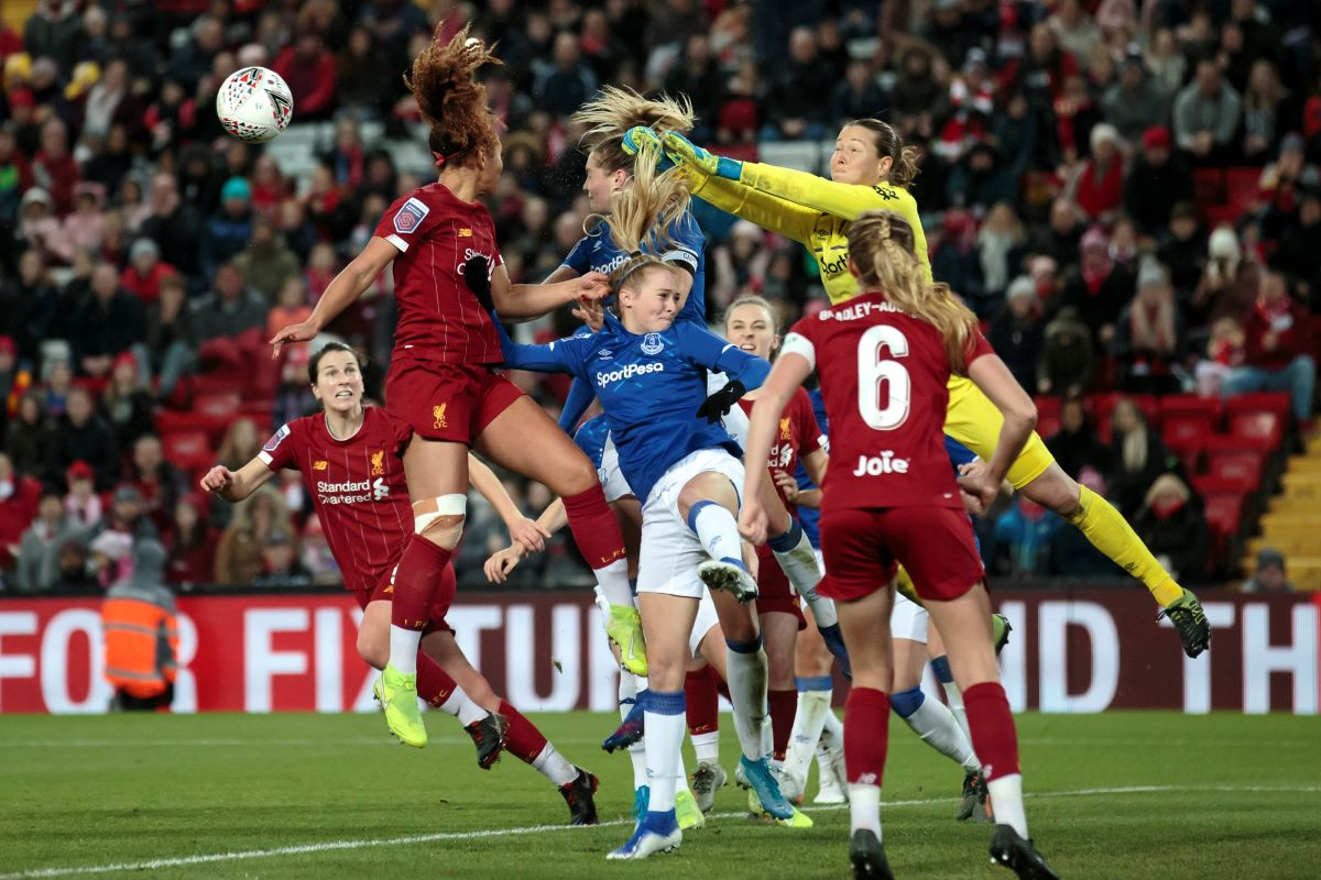 Everton goalkeeper Tinja-Riikka Korpela