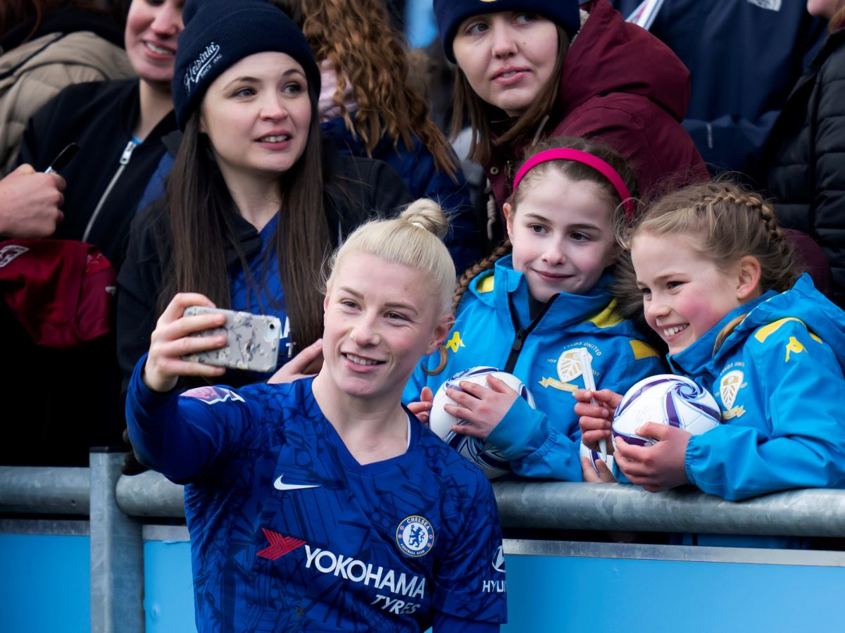 Bethany England commits to Chelsea