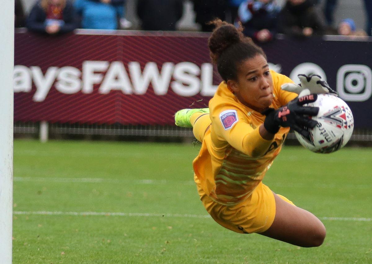 Crystal Palace's new keeper, Chloe Morgan