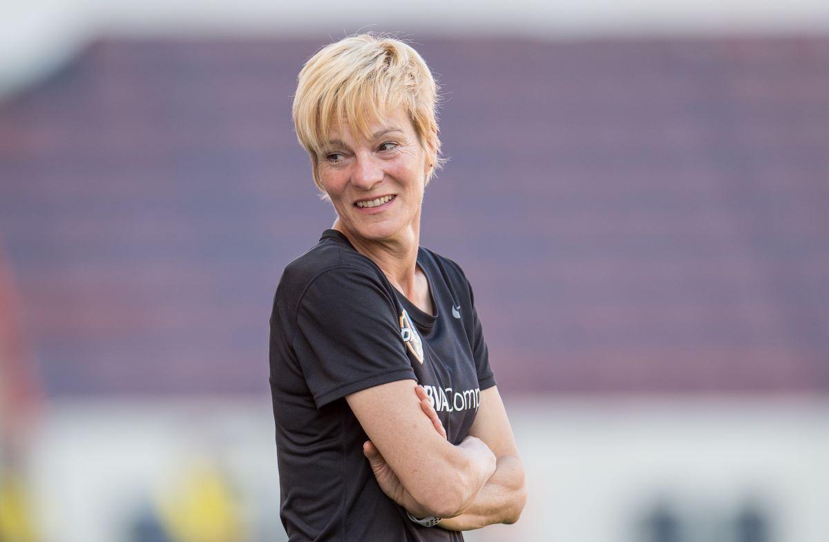 Republic of Ireland head coach, Vera Pauw