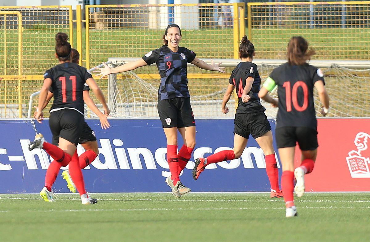 Croatia held Switzerland 1-1.
