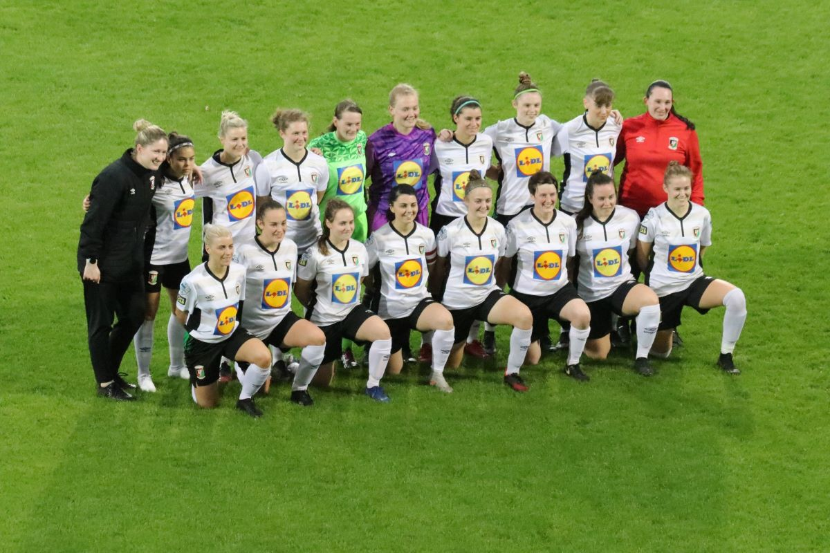 league leaders Glentoran
