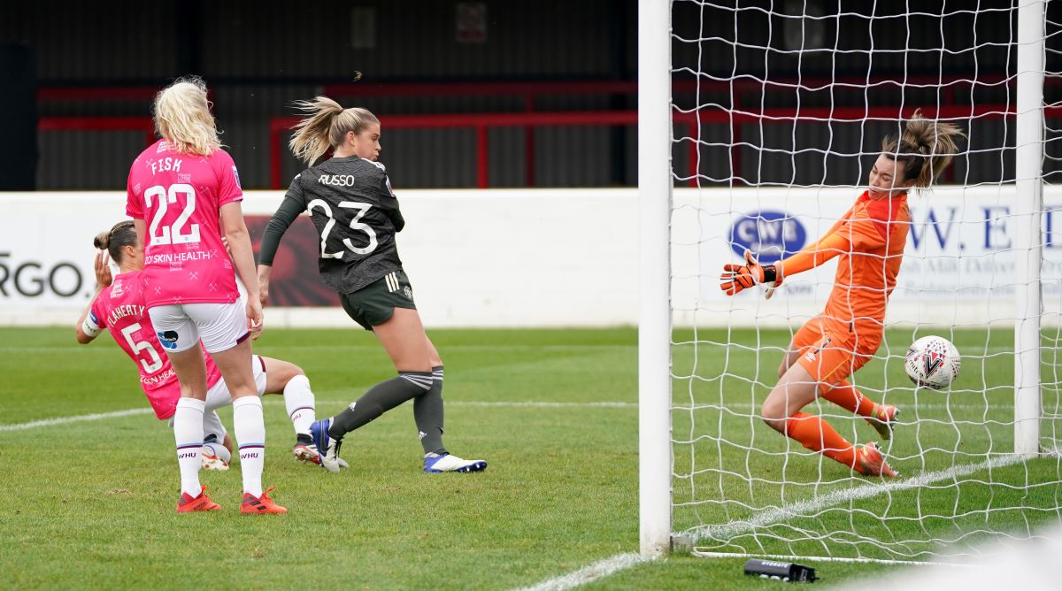 Alessia Russo scores Man Utd's first
