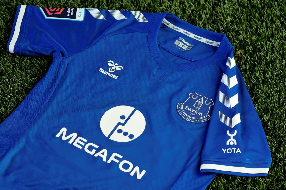 Everton Women's megafon shirt