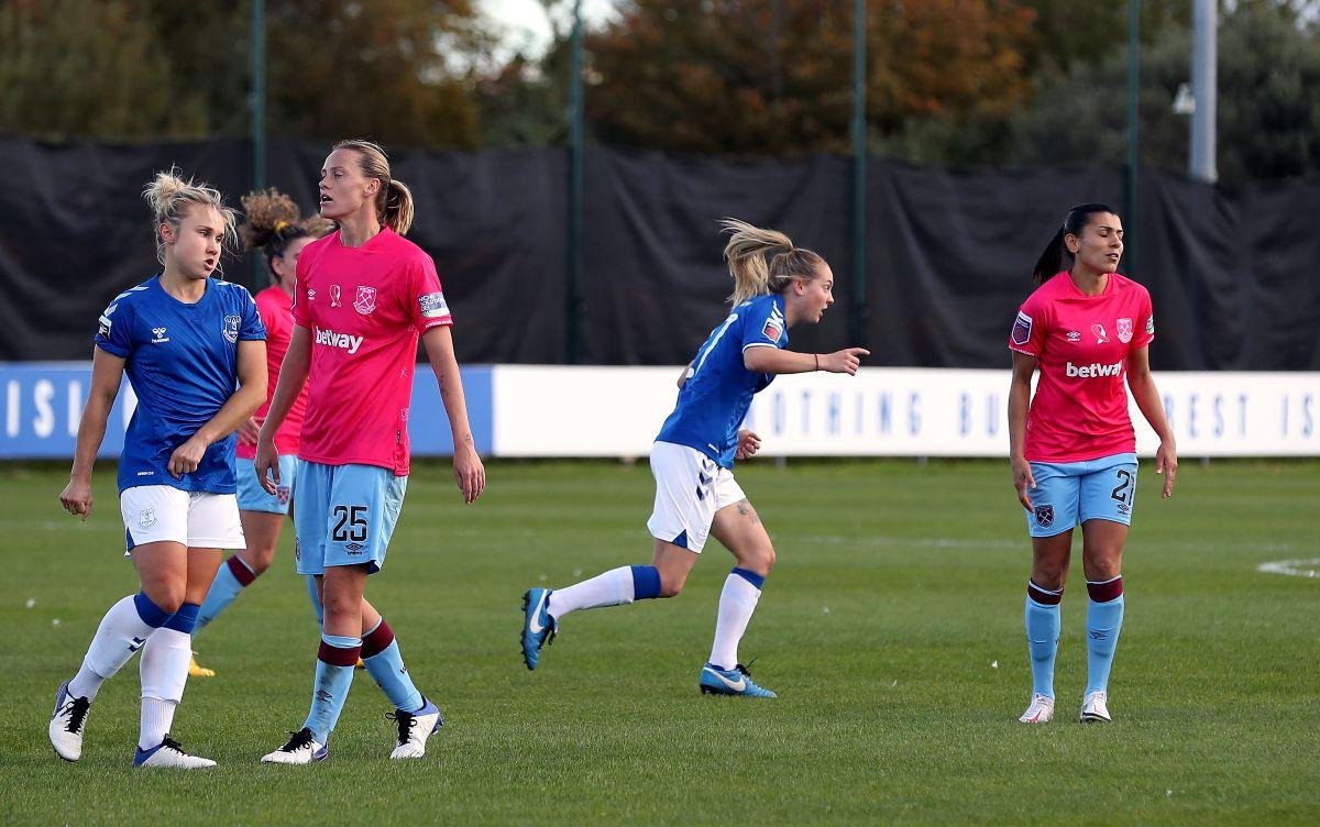 Lucy Graham celebrates her goal