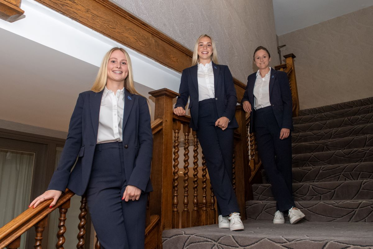 Everton players in Cup Final wear