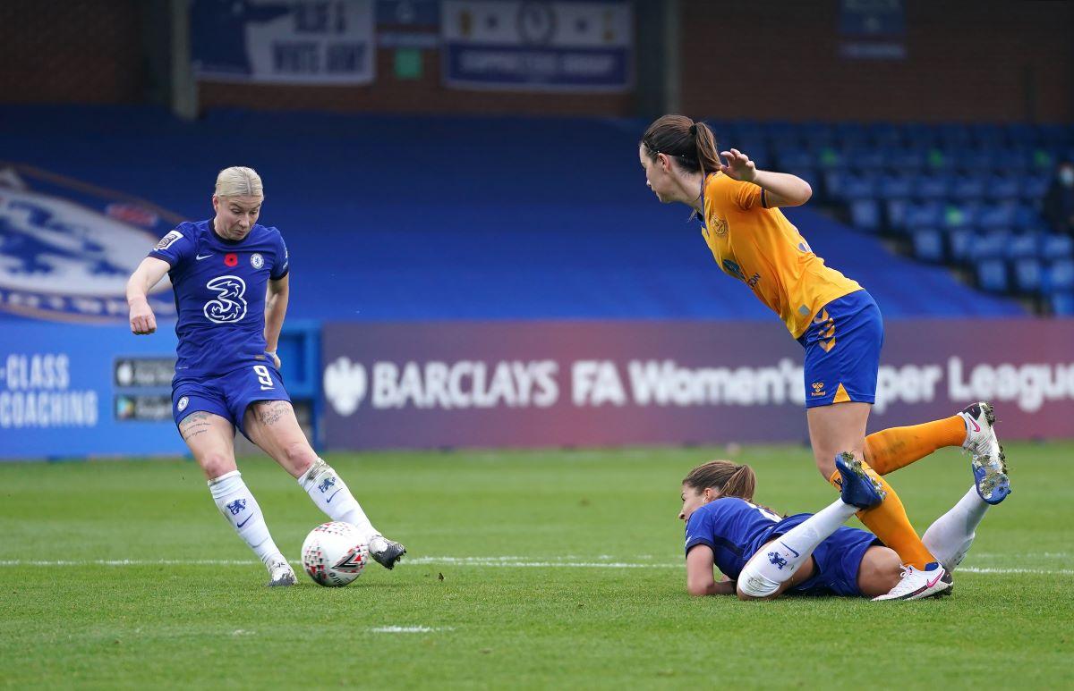 Chelsea's Bethany England scores