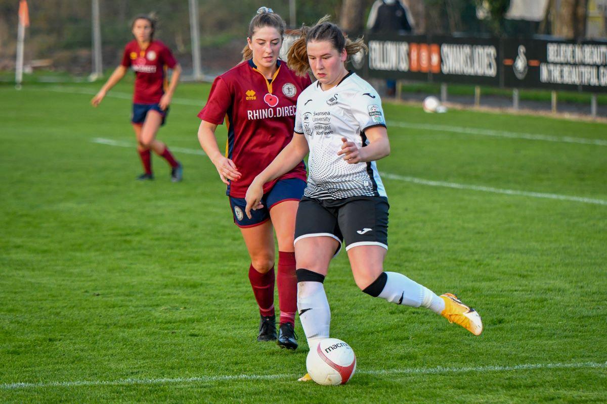 Swansea City scorer Chloe Chivers