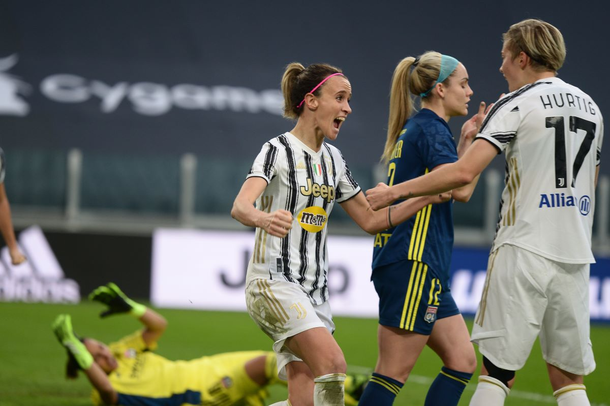 Barbara Bonansea of Juventus celebrates
