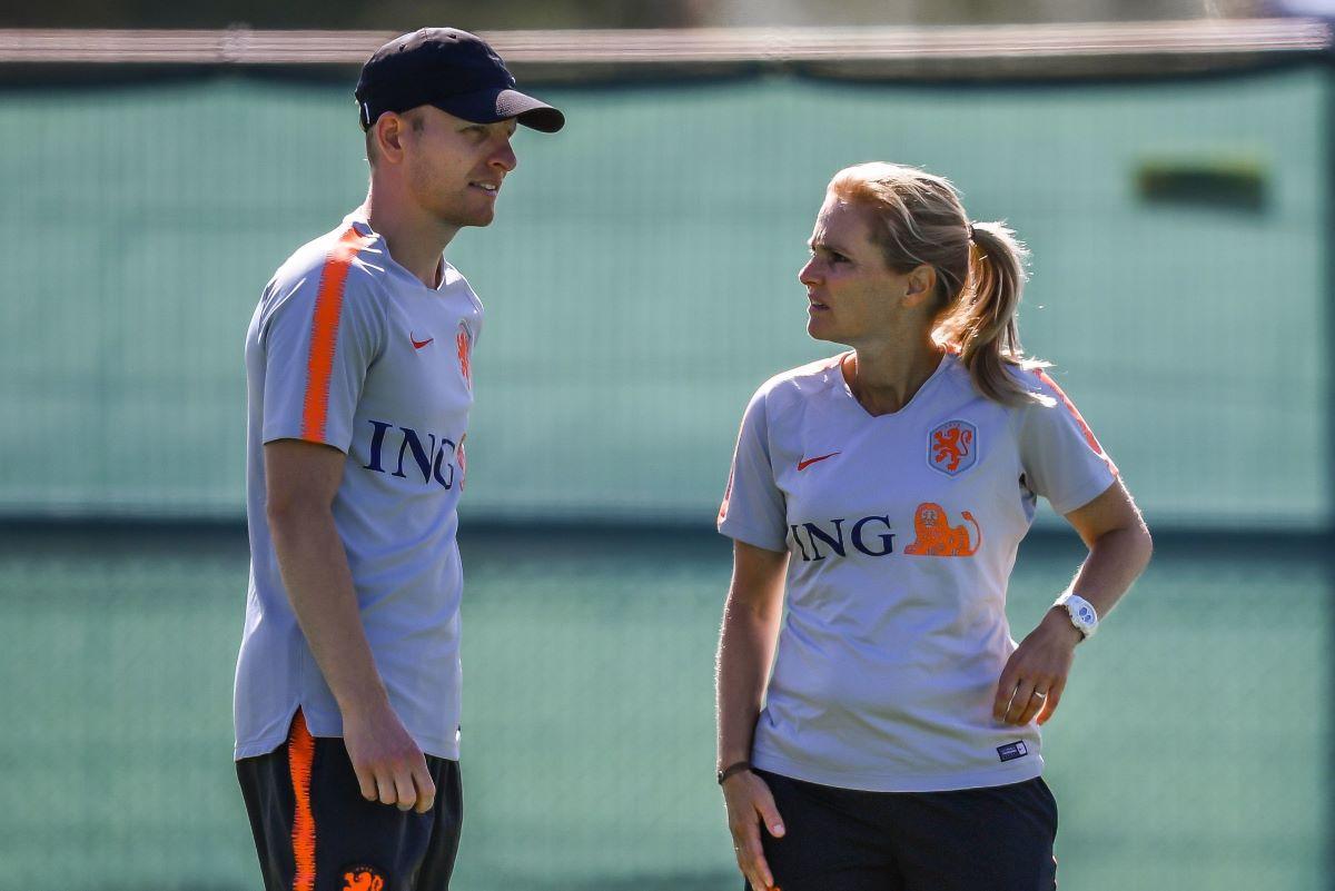 Arjan Veurink to assist Sarina Wiegman