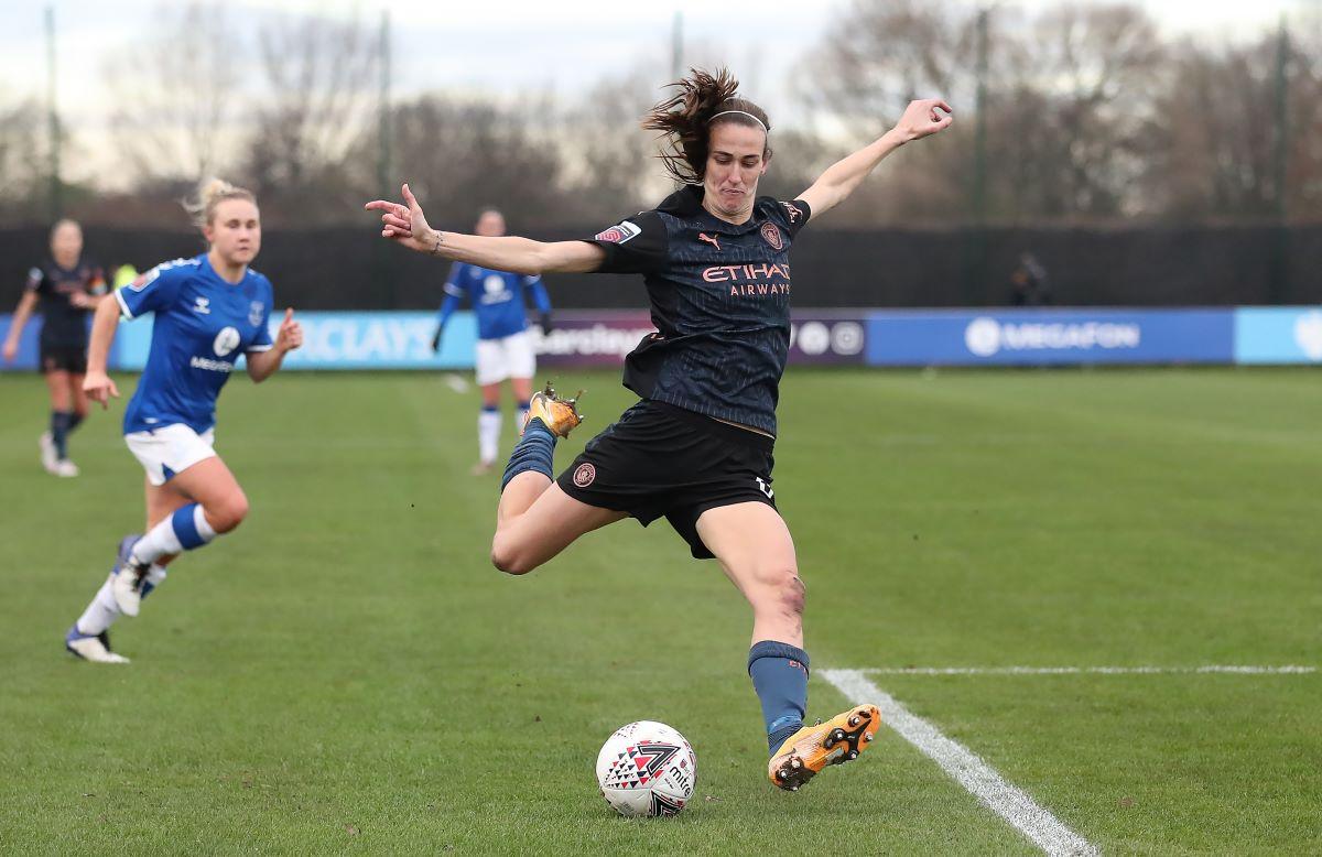 Everton's lean signing Jill Scott