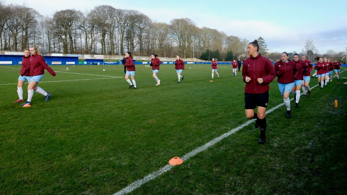 Burnley players warm-up