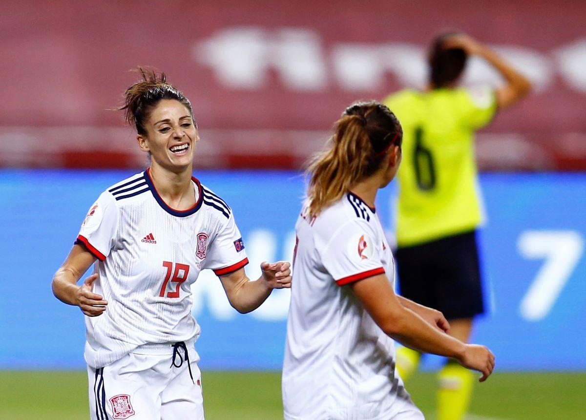 Spain's five-goal Esther Gonzalez