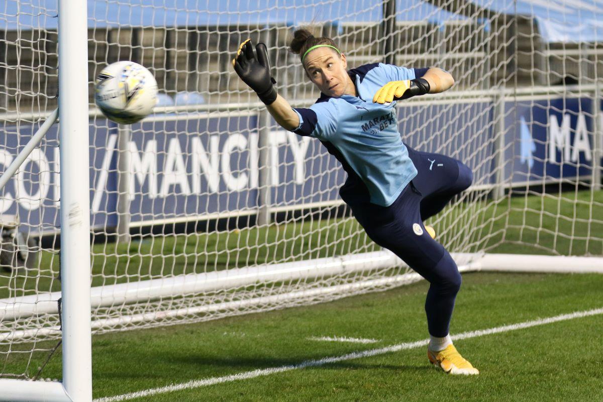 OL Reign's loan signing, Karen Bardsley