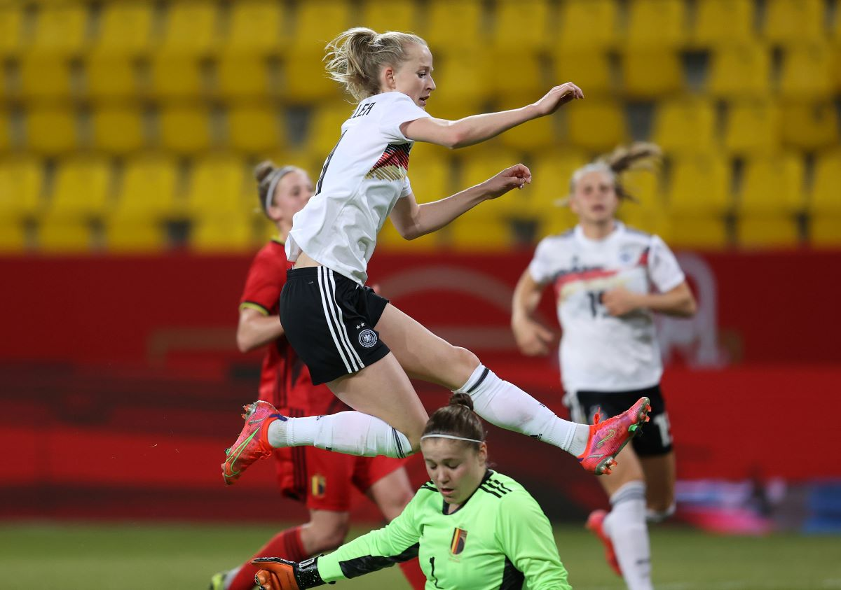 Lea Schuller scored germany's second goal