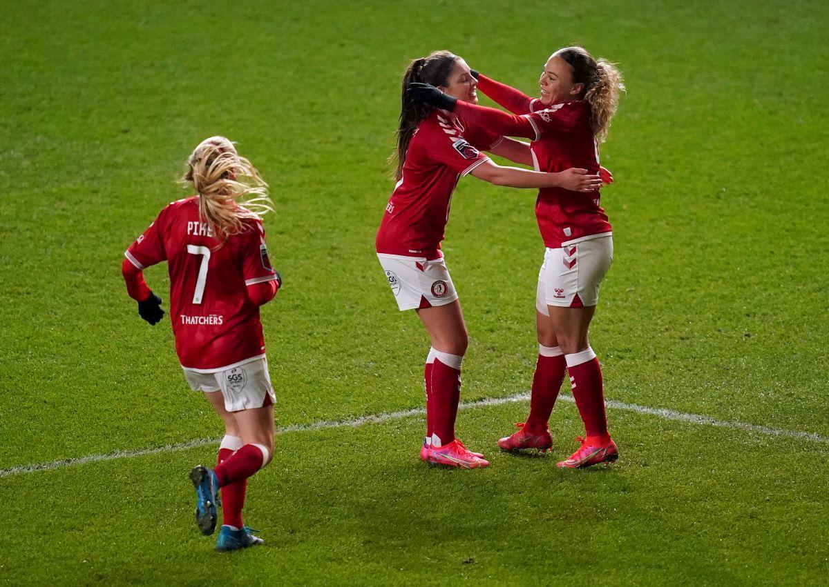 Bristol City celebrate winning goal