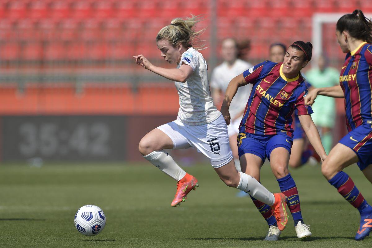 Man City's Lauren Hemp won a penalty