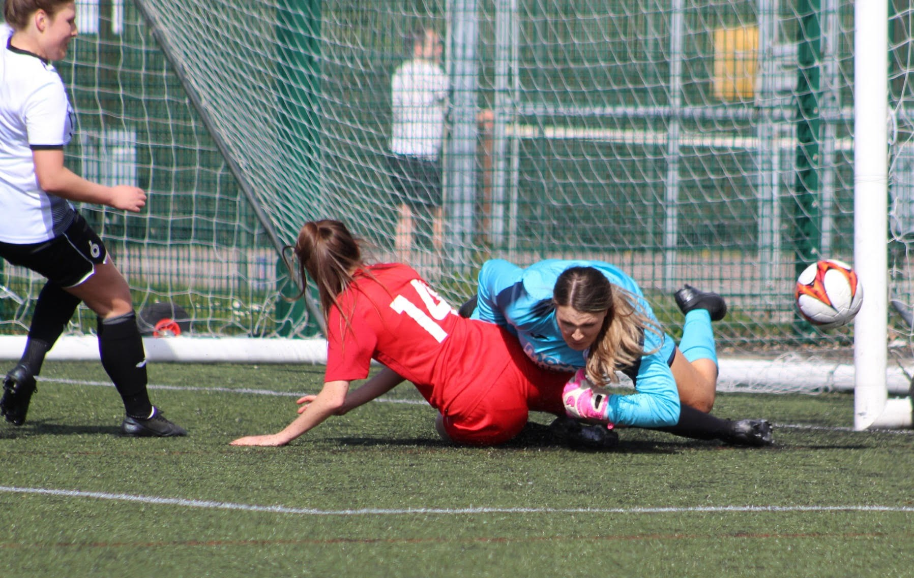 St Ives Town keeper, Kira markwell