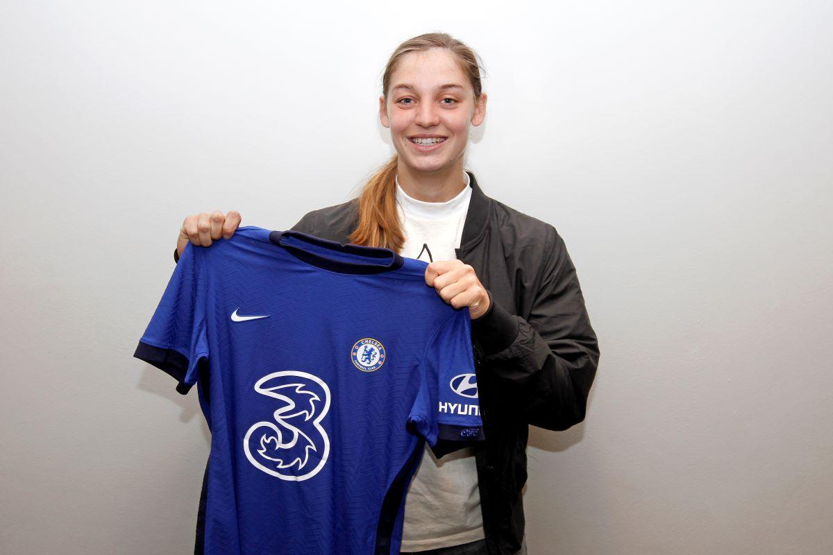 Aniek Nouwen to join Chelsea