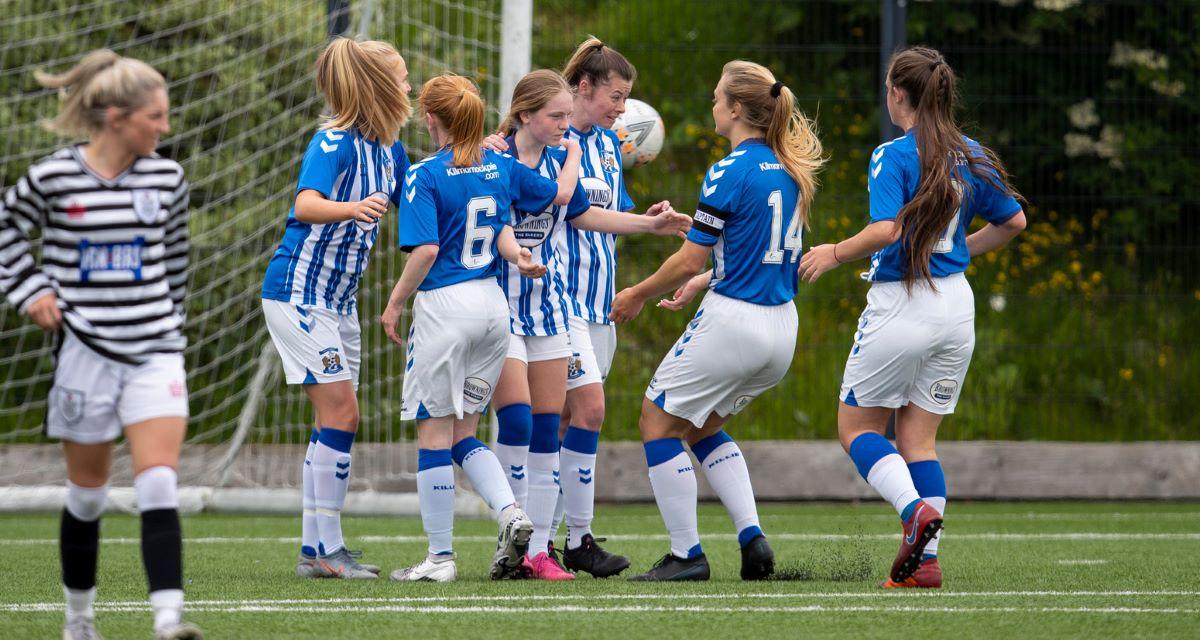 Kilmarnock celebrate a goal against Queen's Park