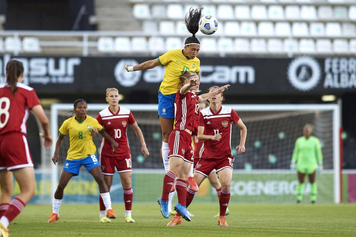 Brazil beat Russia 3-0
