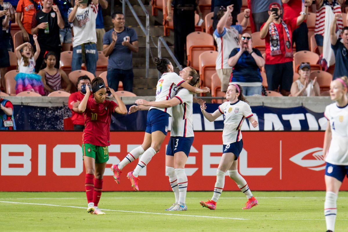 USA celebrate goal v Portugal