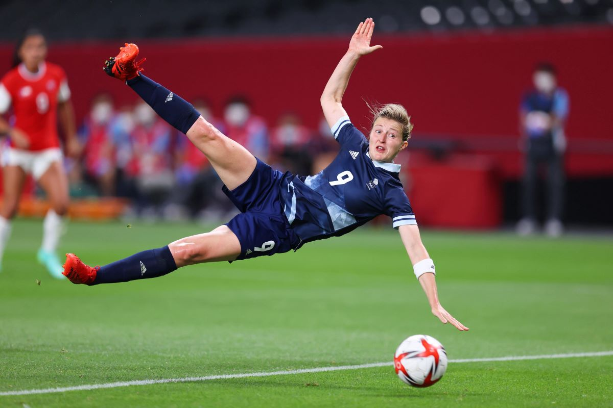 Ellen White scores for Team GB