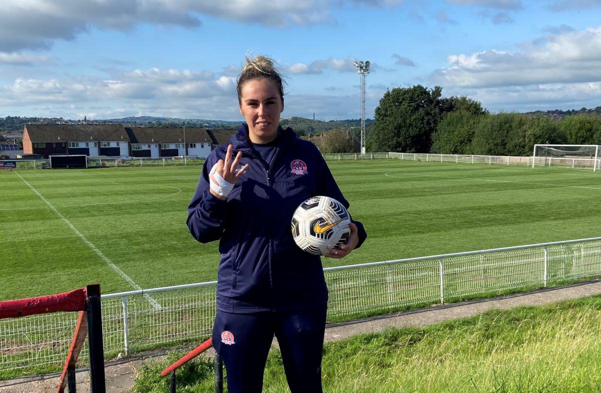 Faye McCoy de tres goles de Fylde
