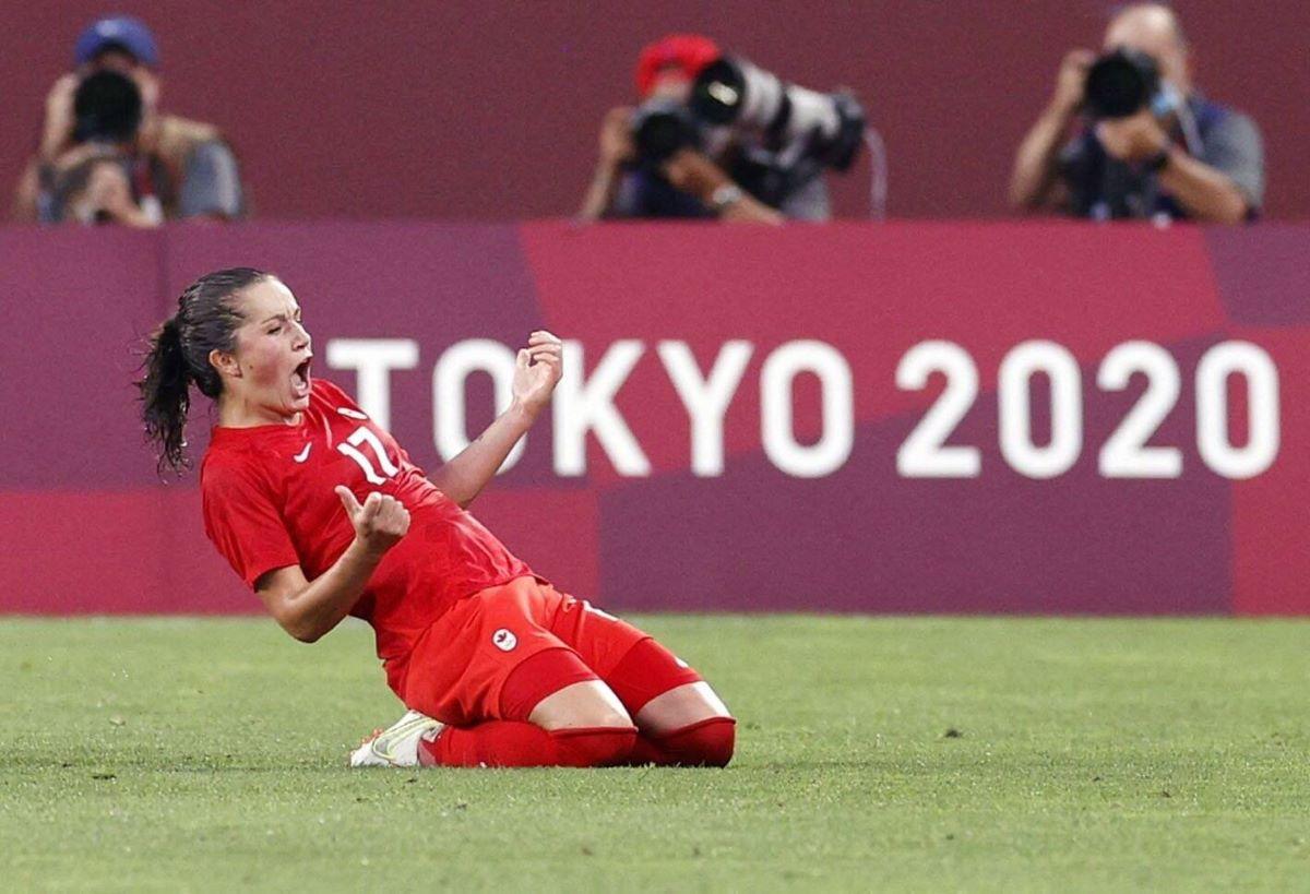 Canada's jessie Fleming celebrates
